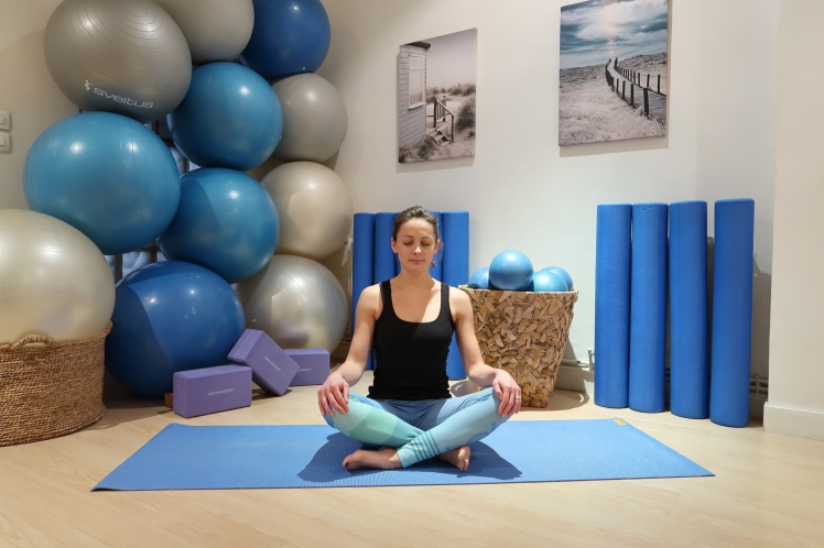 assis-tailleur-julia-lemetais-yoga
