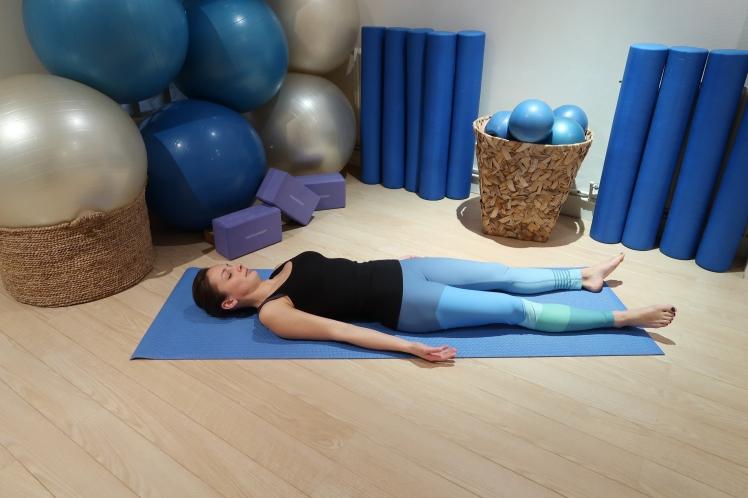 cadavre-posture-julia-lemetais-blog-yoga