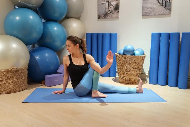 torsion-assise-yoga-blog-julia-lemetais