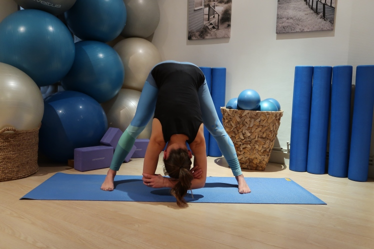 flexion-avant-julia-lemetais-blog-yoga