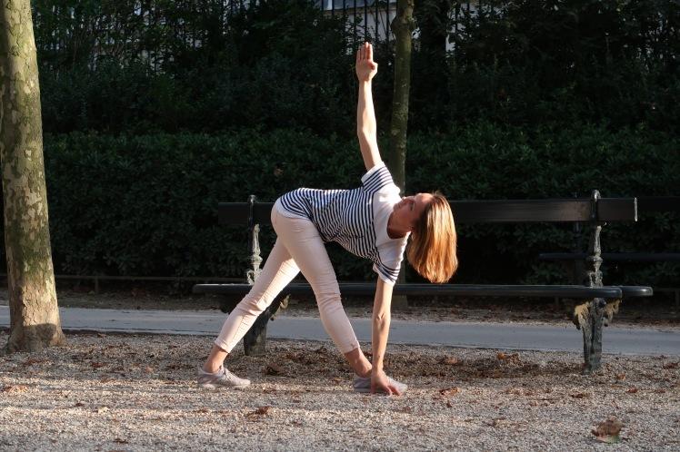 parivritatrikonasana-julia-lemetais-yoga-blog-automne-belle&zen.JPG